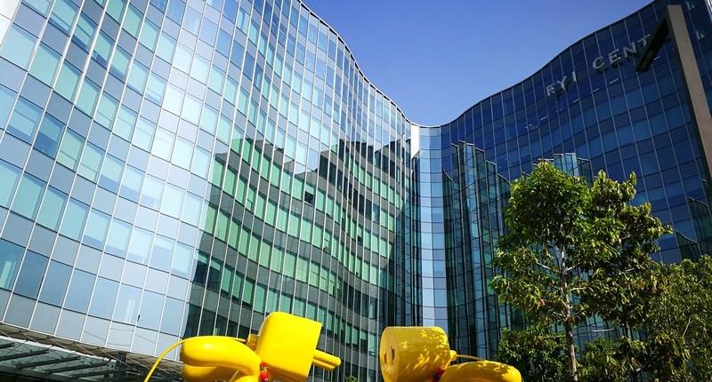 Review : ออฟฟิศ สำนักงาน อาคาร FYI Centre